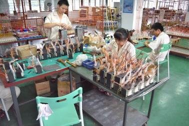 珠海美诗音响有限公司生产现场